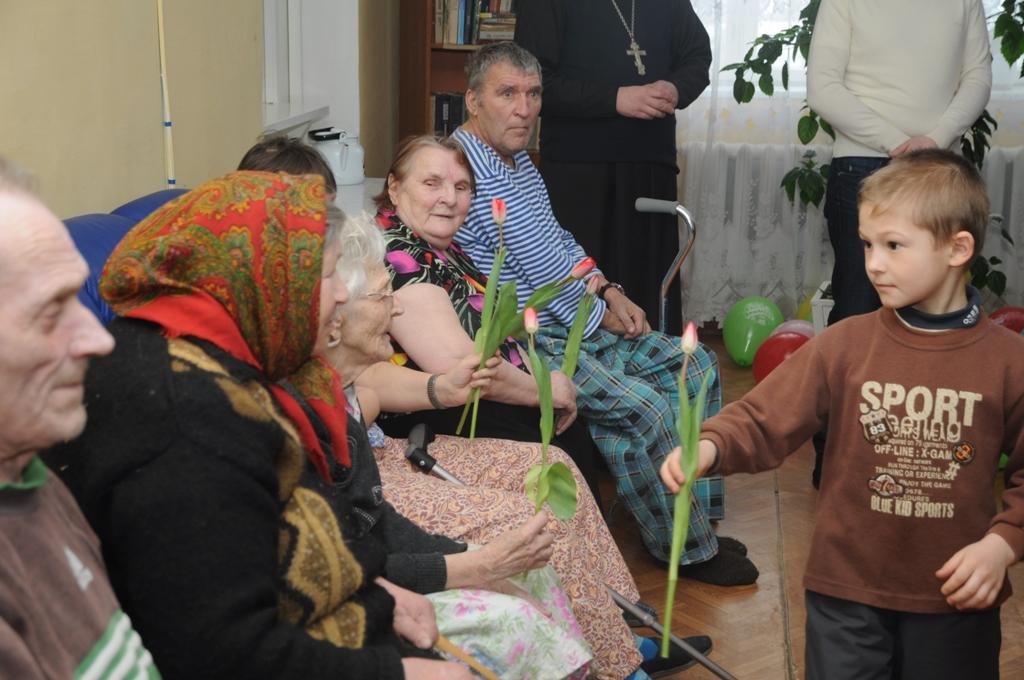 Поездка волонтеров храма в ПСУ Грибцово