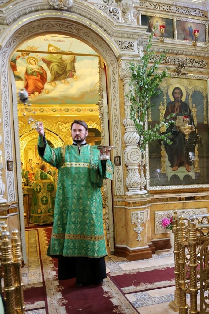 Праздник Троицы. Литургия. Фото