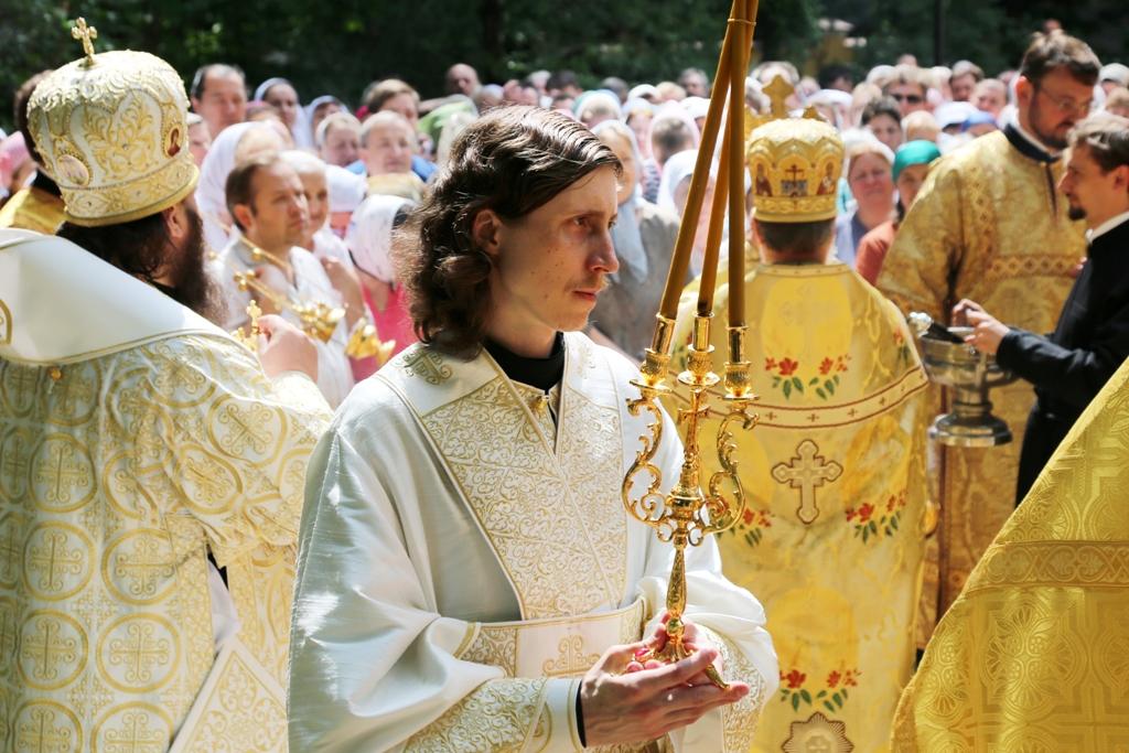 Архиерейское богослужение в день Всех Святых