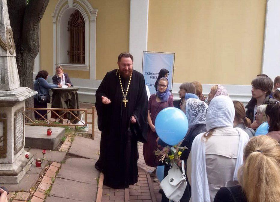 Клуб «Я шагаю по Москве» («Активное долголетие»): экскурсия в храм Всех святых на Соколе