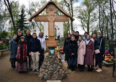 """Молодежная группа """"Лествица"""" посетила Псково-Печерский монастырь"""