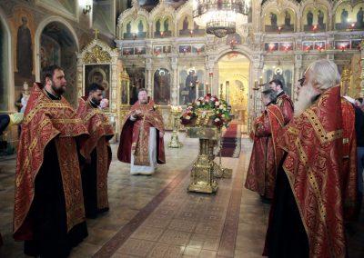 Праздник Происхождения или изнесения Честных Древ Животворящего Креста Господня . Фотогалерея