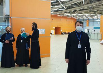 Клирик нашего храма принял участие  в молебене и поздравлении персонала госпиталя